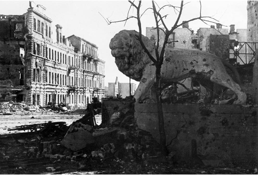 Bitka pri Stalingradu je pomenila preobrat v drugi svetovni vojni.