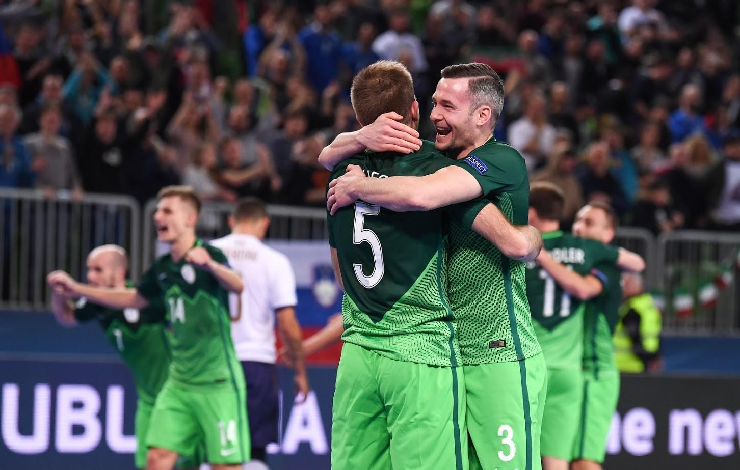 Slovenija je v skupinskem delu premagala Italijo in remizirala s Srbijo