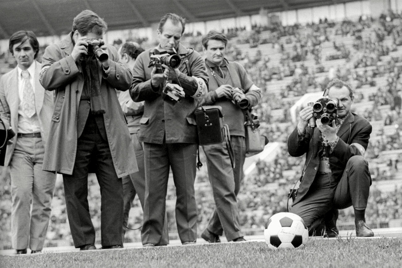 Pertandingan testimonial FIFA Lev Yashin tahun 1971 antara Dynamo Moskow melawan World XI.