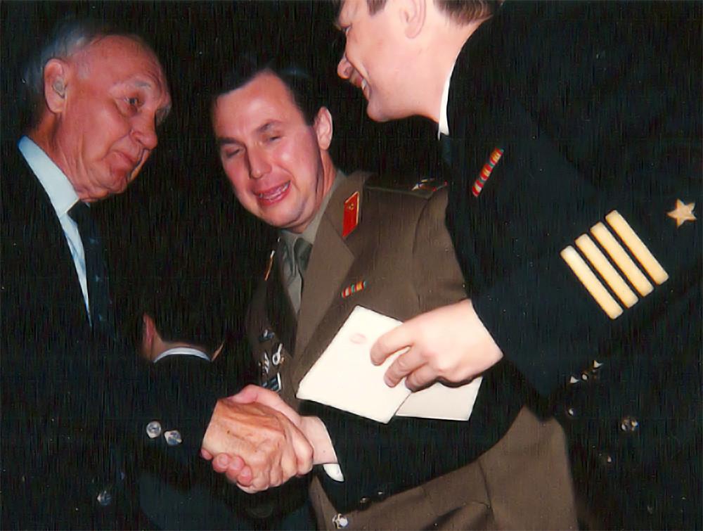 Medaillenvergabe in der Russischen Botschaft in Washington D.C., 8. Dezember 1992