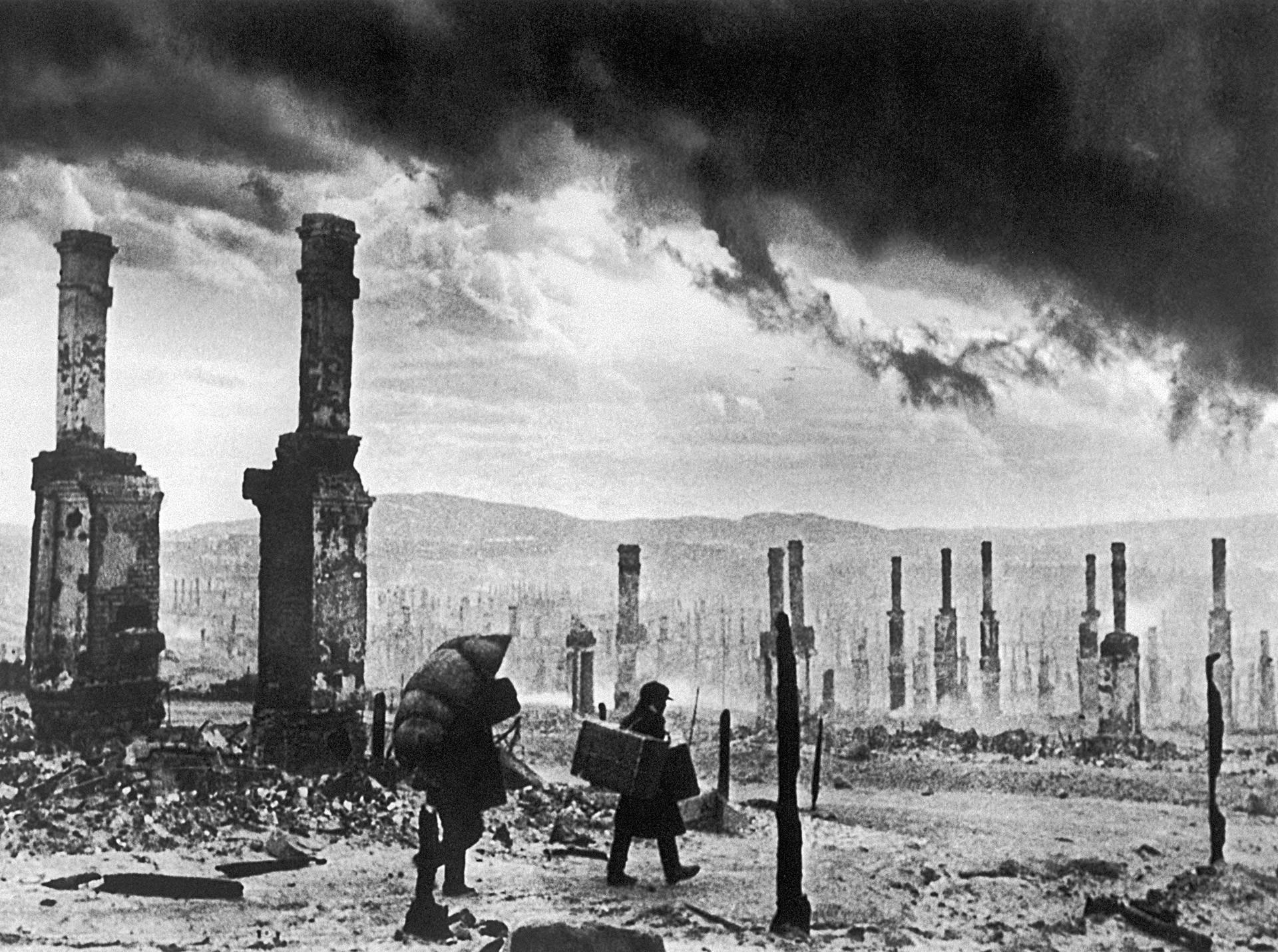 Ruinen von Murmansk am Ende des Zweiten Weltkriegs