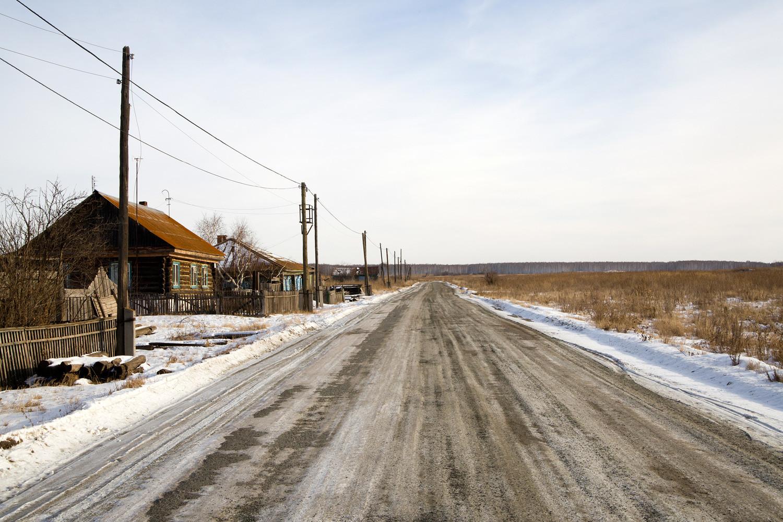 Erst 2009 wurde den Menschen in Musljumowo die Umsiedlung in ein Neubau-Dorf vorgeschlagen. Die Mehrheit war einverstanden, nur drei Familien entschieden sich dagegen und bleiben nun in dem noch immer verseuchten Ort.