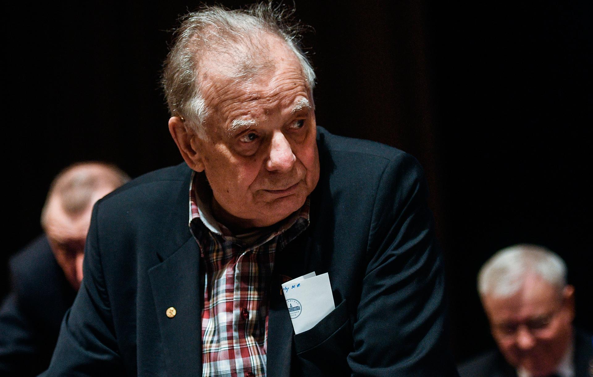 O físico russo Jores Alferov.