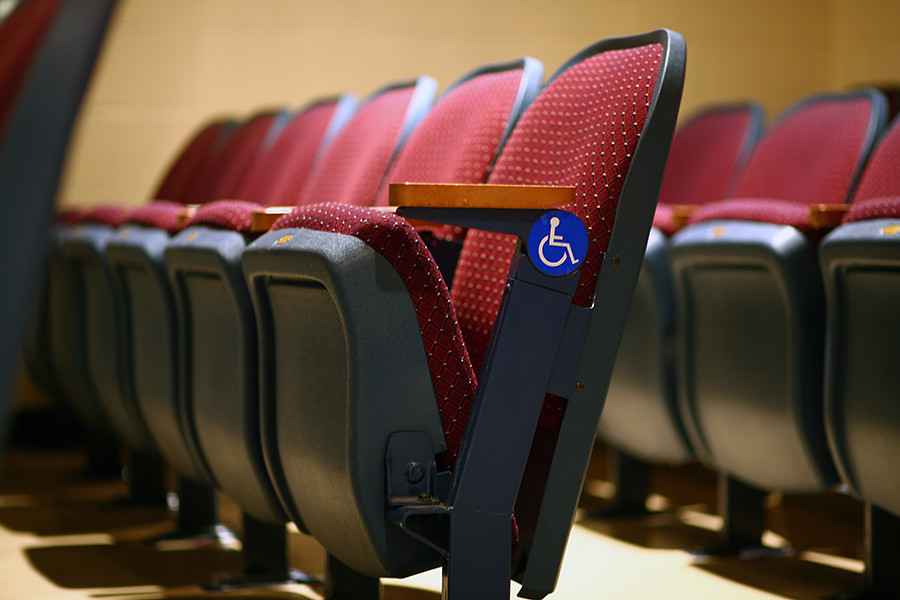 Mnogo kazališta, kina i restorana je prilagođeno osobama s invaliditetom