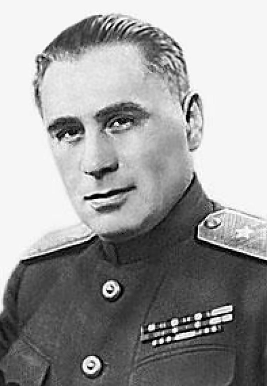Sudóplatov vivió siempre envuelto en el misterio y casi no se hizo fotos. Esta es una de las pocas que tenía.