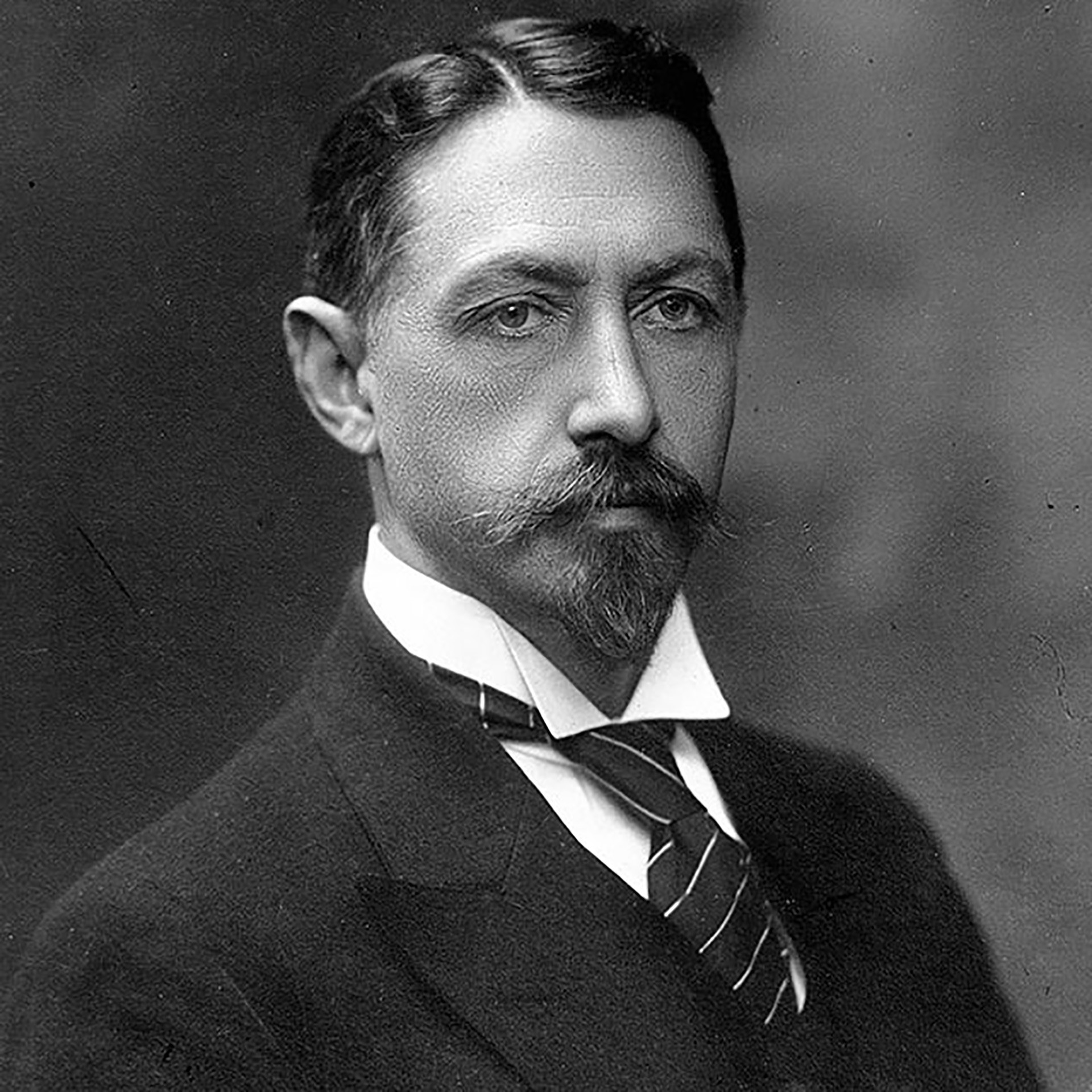 Ivan Bunin, a Nobel prize winner from Russia, who hated the Bolshevism and was longing for old Russia until the end of his life.