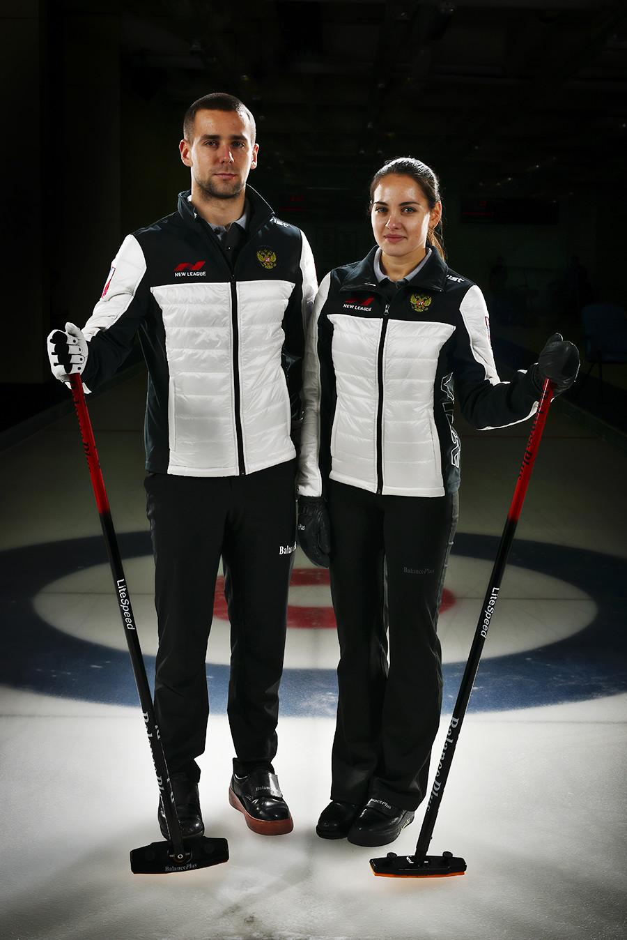 Das russische Curling-Team Anastassija Brysgalowa und Alexander Kruschelnyzkij haben bei den Olympischen Winterspielen im südkoreanischen Pyeongchang den dritten Platz ergattert und den Olympischen Athleten aus Russland (OAR) erstmals eine Medaille im Curling geholt: Bronze für Russland.