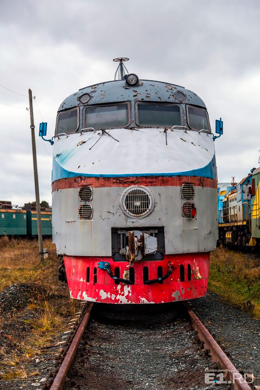 """Aber nicht immer braucht eine Lok einen Krieg, um den """"Zugfriedhof"""" verlassen zu können. Eine ungarische MAVAG-Dampflok aus dem Jahr 1936 wurde von einem Museum der Ural-Region ausgewählt und ausgestellt."""