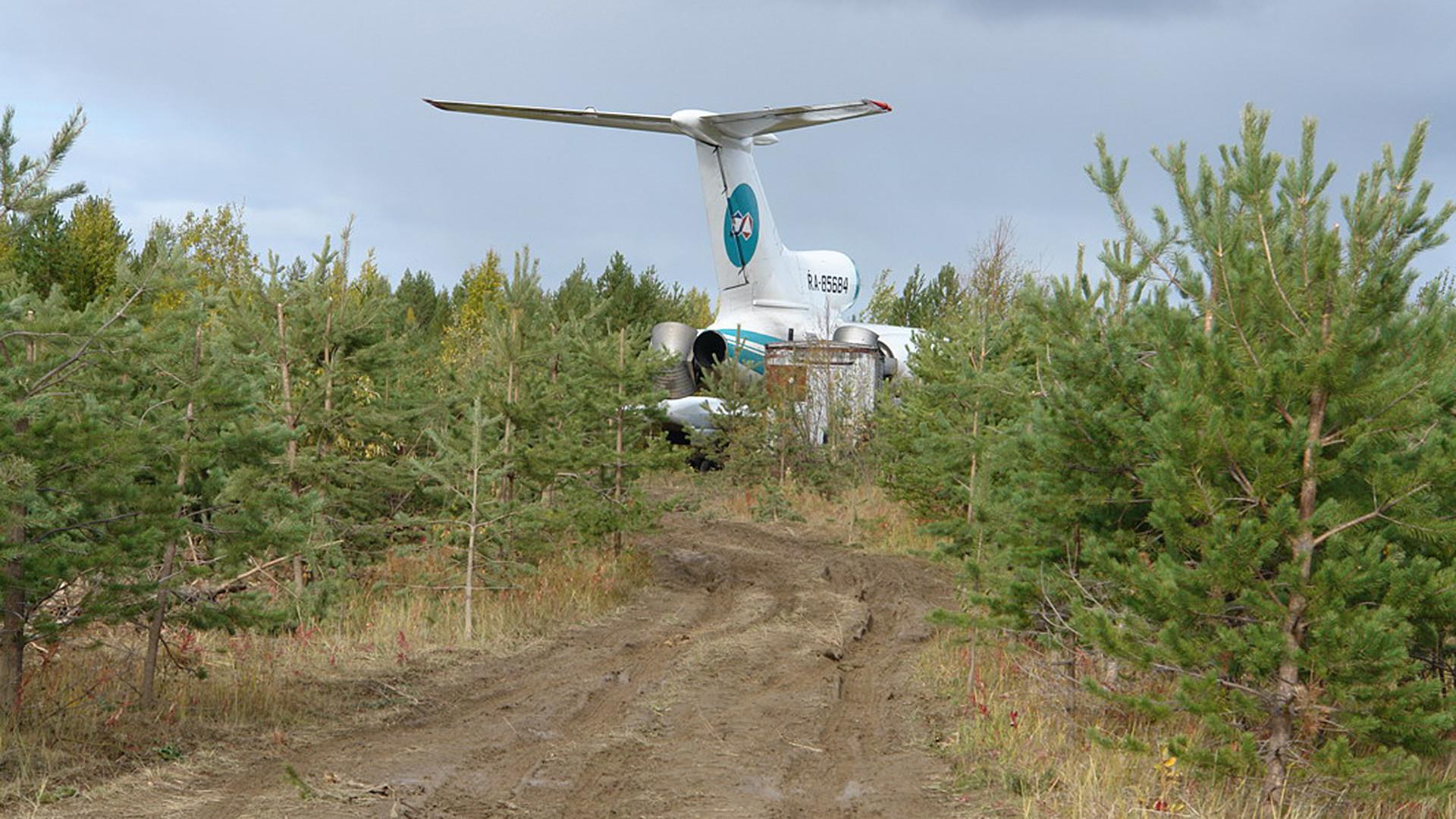 Zrakoplov Tu-154, koji se zbog kvara prisilno spustio na aerodrom u ruskoj republici Komi.