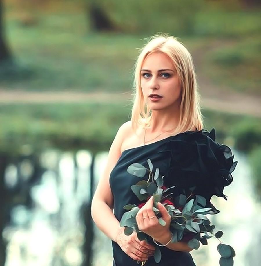 Viktoriya Moiseeva, tim curling.