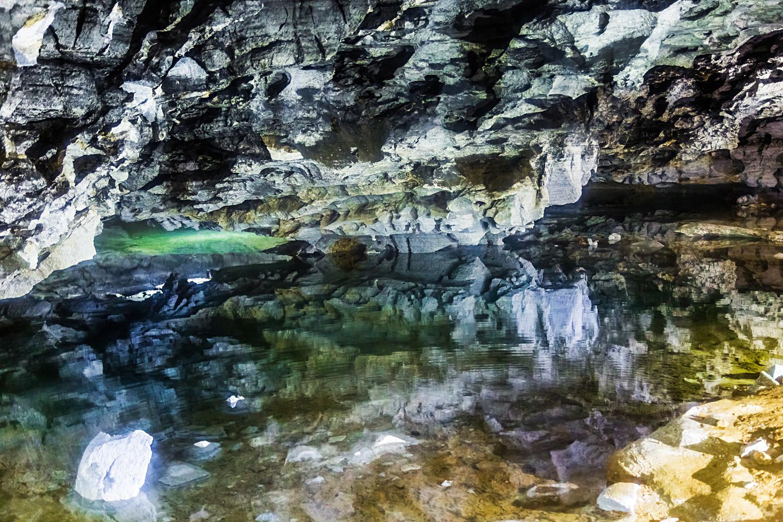 Das wachsende Eis verändert die Höhle ständig. Vor 70 Jahren noch mussten die Menschen Tunnel in das Eis schlagen, um das System erforschen zu können.
