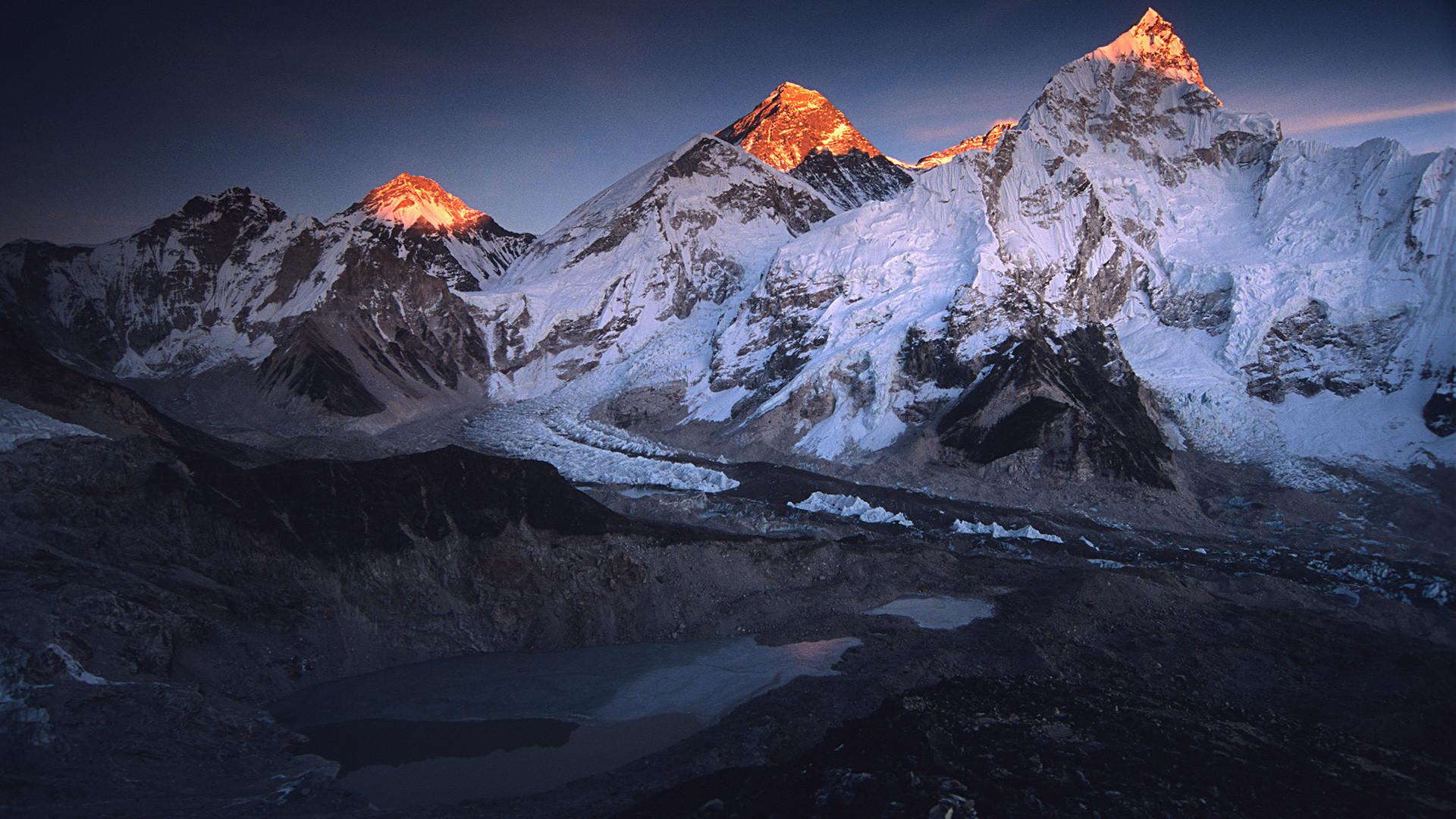 Gunung Everest.