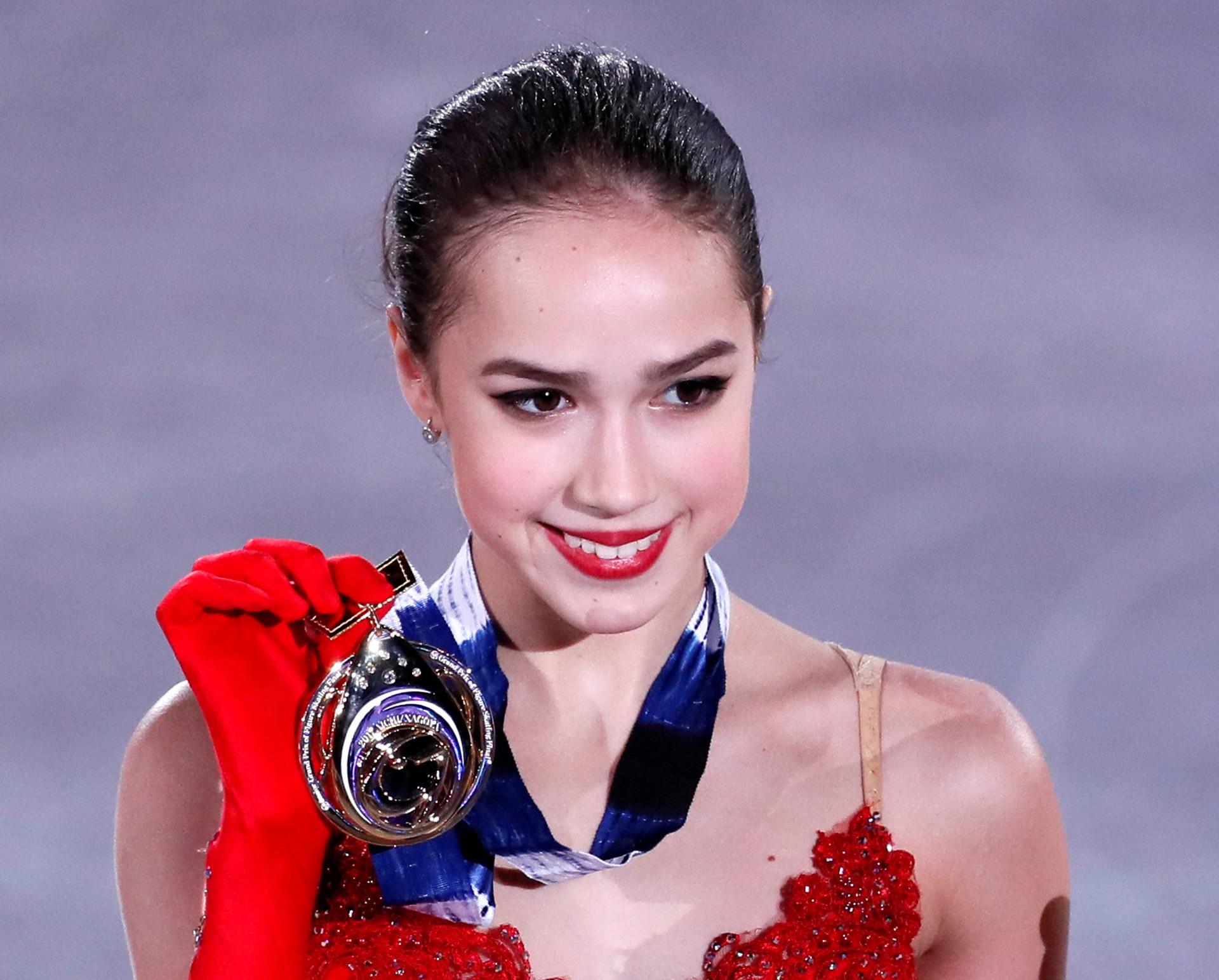 Und so gewann Sagitowa dort mit einem ausgezeichneten Programm ohne grobe Fehler.
