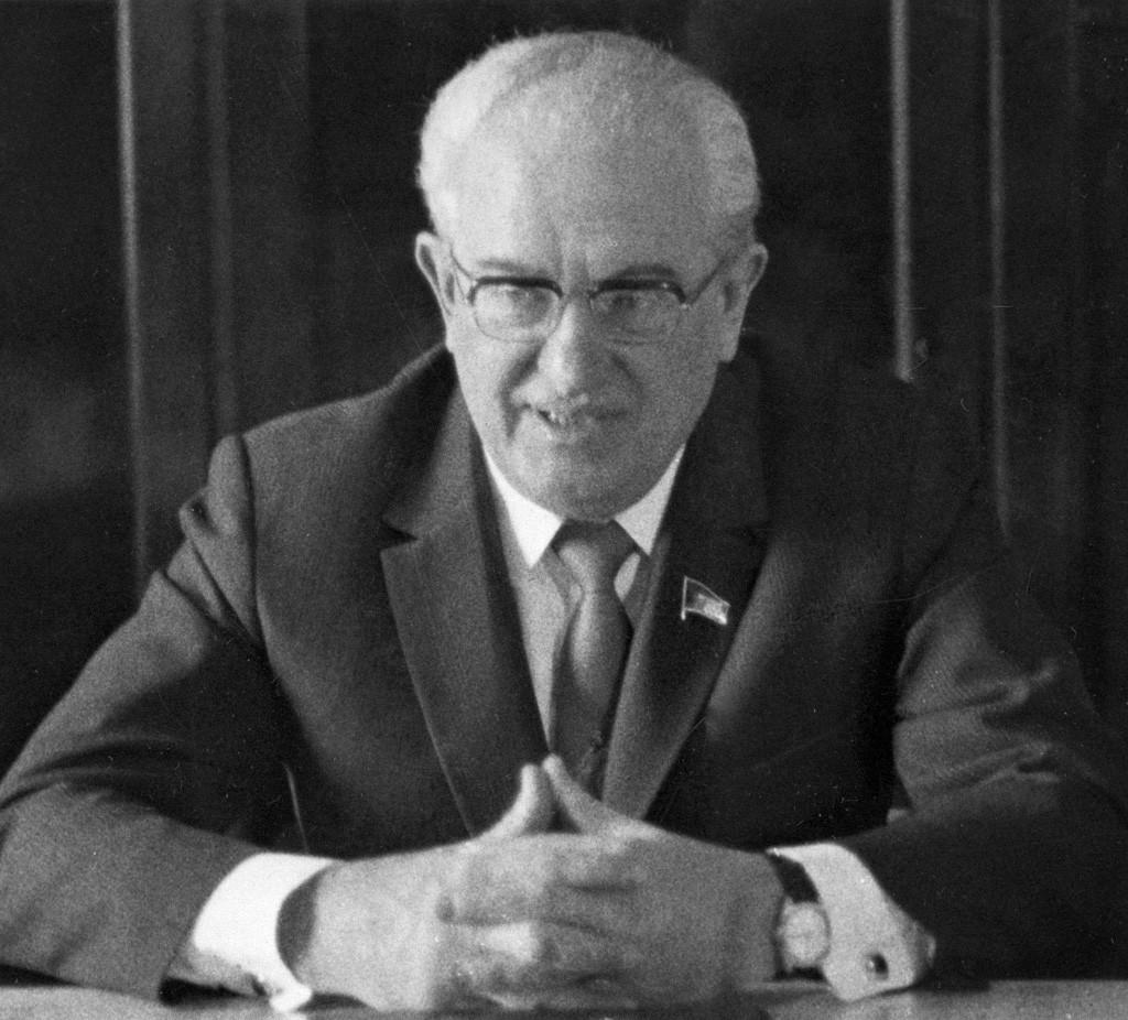 Jurij Andropov, šef KGB-ja in poznejši voditelj Sovjetske zveze