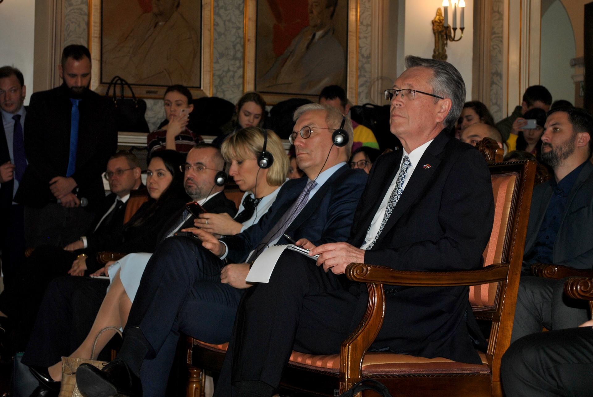 Марија Захарова и амбасадор Русије у Београду Александар Чепурин