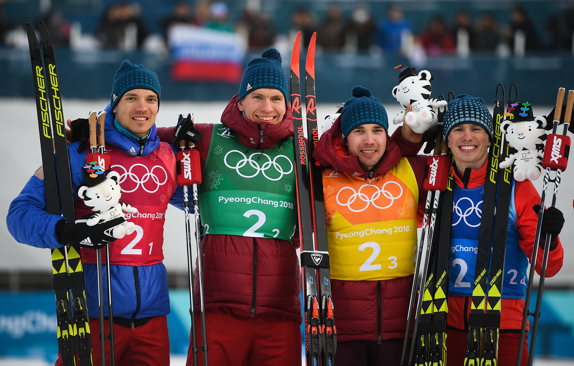 De la izq. a la der.: Andréi Larkov, Alexander Bolshunov, Alexéi Chervotkin and Denís Spitsov