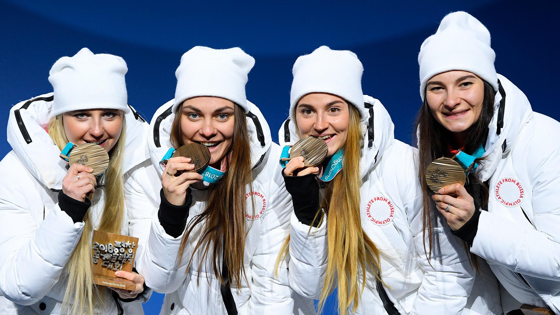 De la izq. a la der.: Natalia Nepriáieva, Yulia Belorúkova, Anastasia Sedova, Anna Necháievskaia