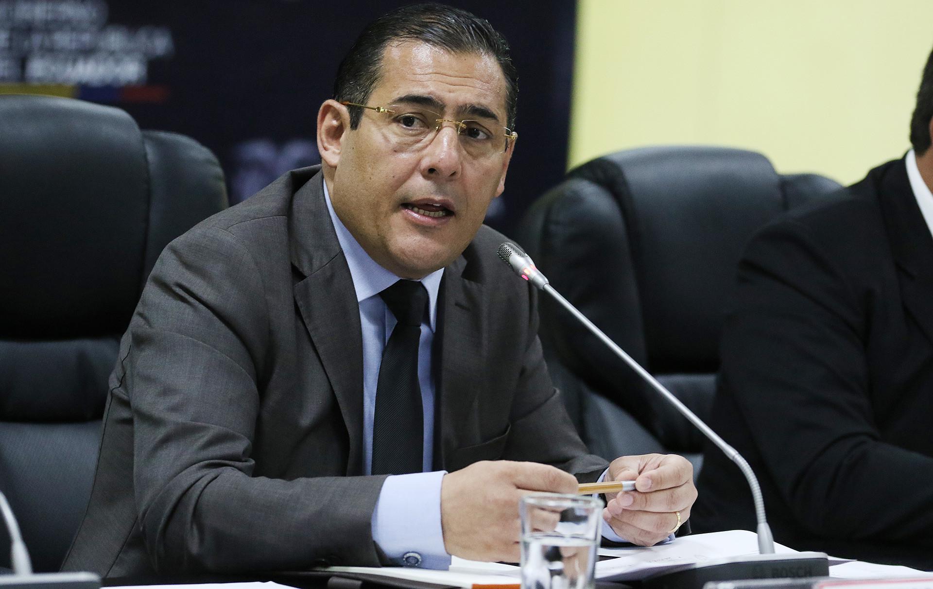 Ministro de Defensa de Ecuador, Patricio Zambrano.