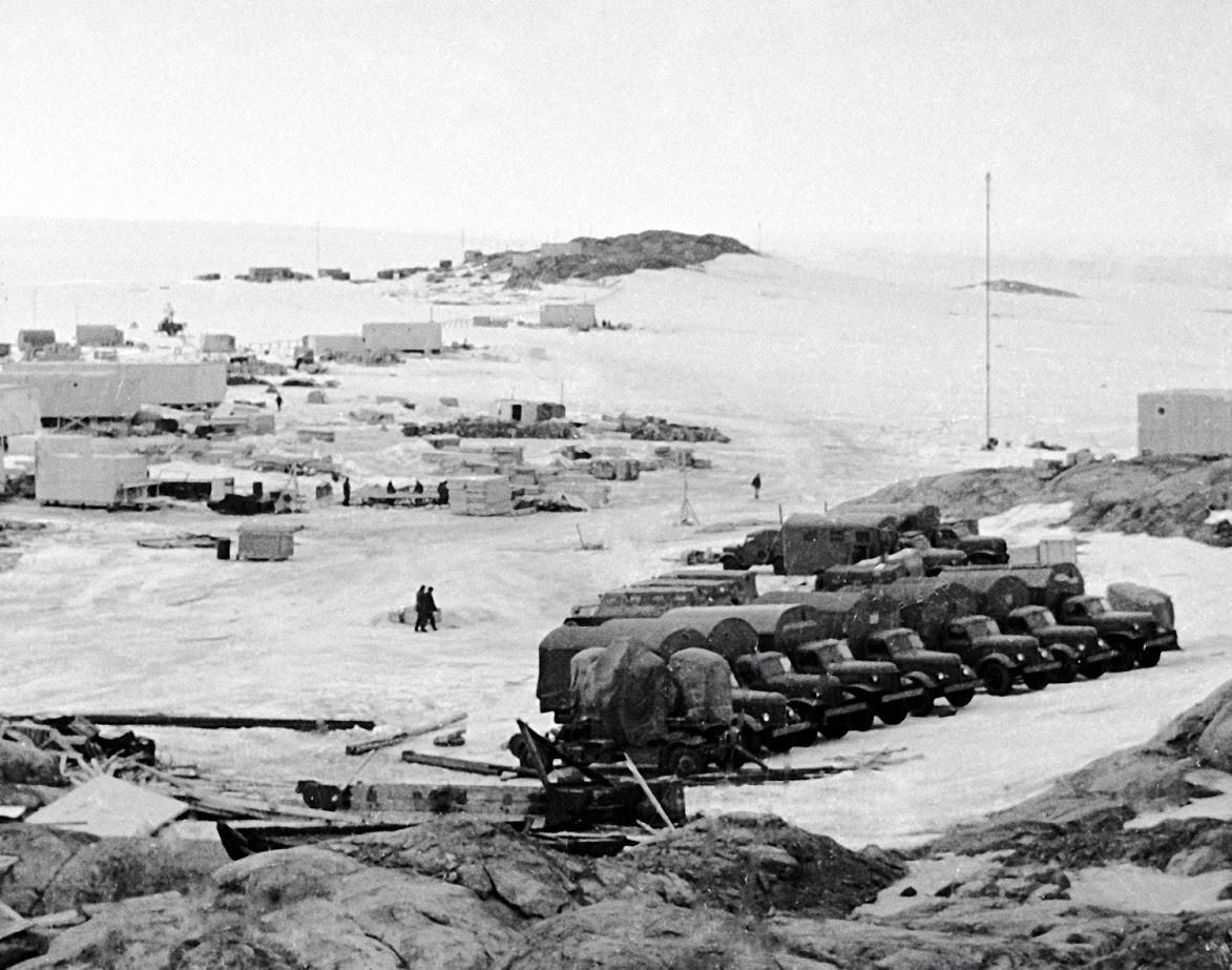Prizorišče sovjetske ekspedicije na Antarktiki - raziskovalni observatorij Mirni.