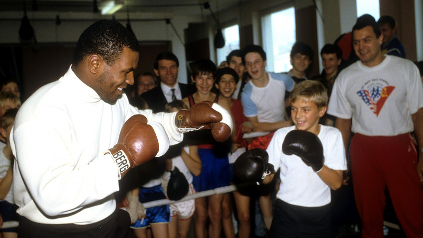 Tyson visited Moscow in 1988 to participate in the opening of the first in USSR golf club and meet with boxing fans
