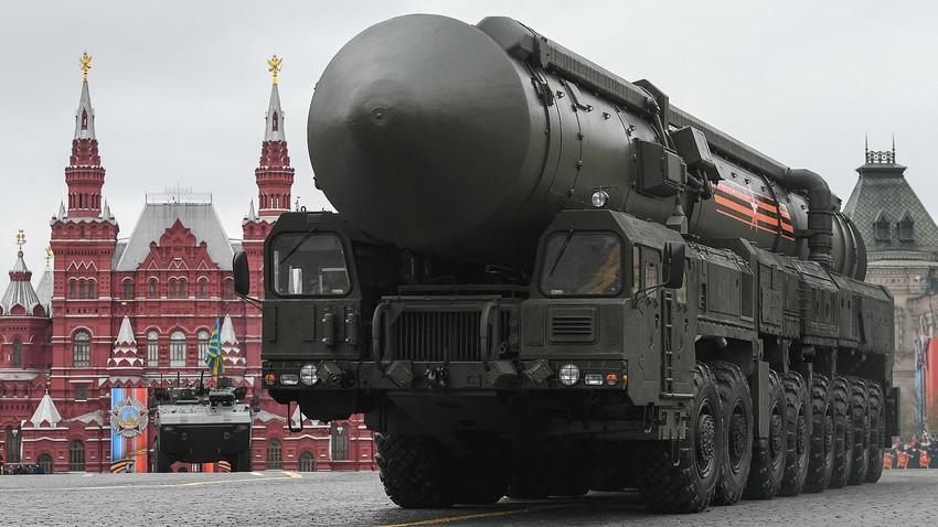Una media rusa y mamada - 1 part 1