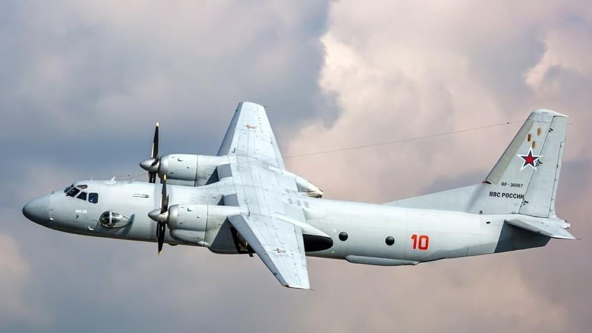 Ан-26, руски транспортен авион.