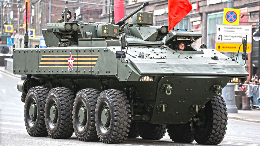 """Bumerang-17"" (K-17) s borbenom kupolom bez posade ""Bumerang-SM"""