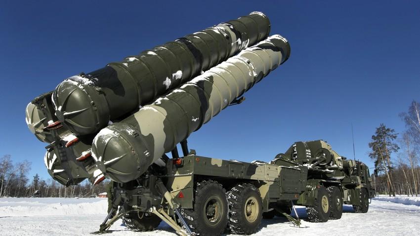 """Ракетни систем С-400 """"Тријумф""""."""
