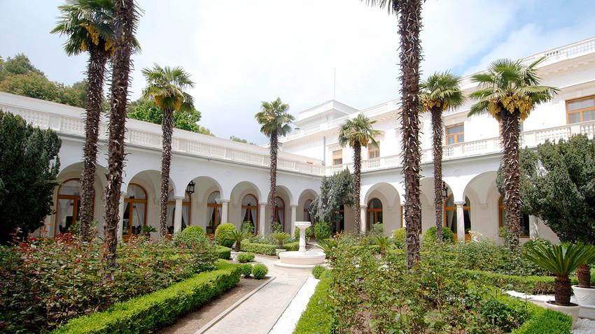 Taman Italia di Istana Livadia, Yalta, Krimea.