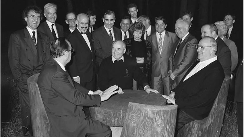 Gorbačov, Genscher i Kohl.