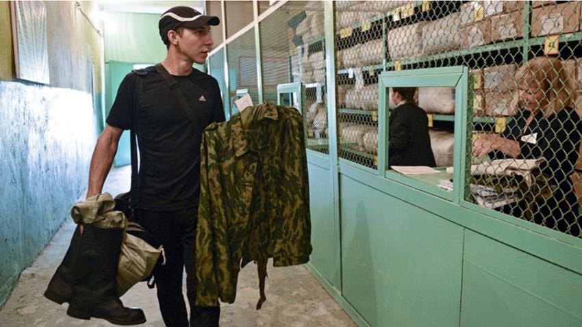 Rezervisti se začasno selijo iz učilnic v vojašnice.