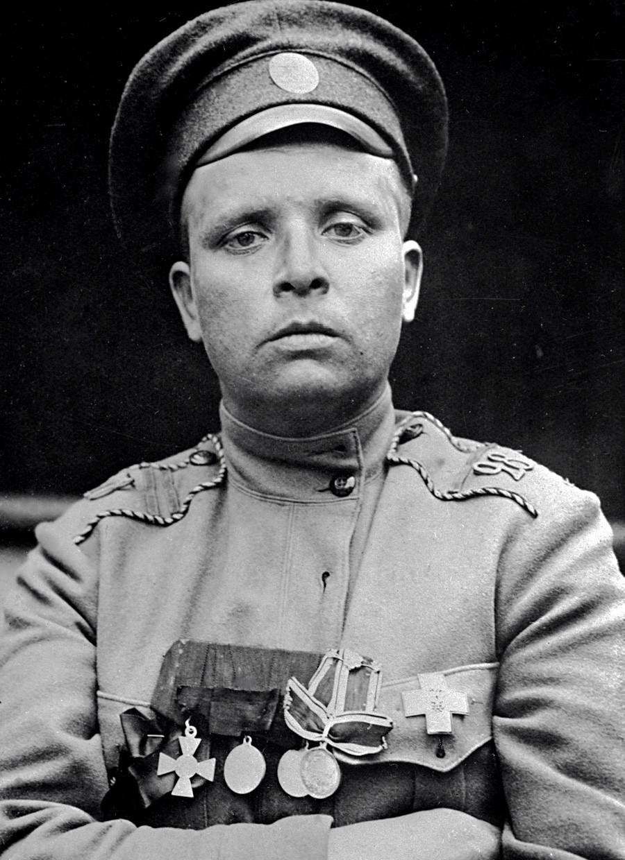 Komandan Batalion Kematian Perempuan Maria Bochkareva.