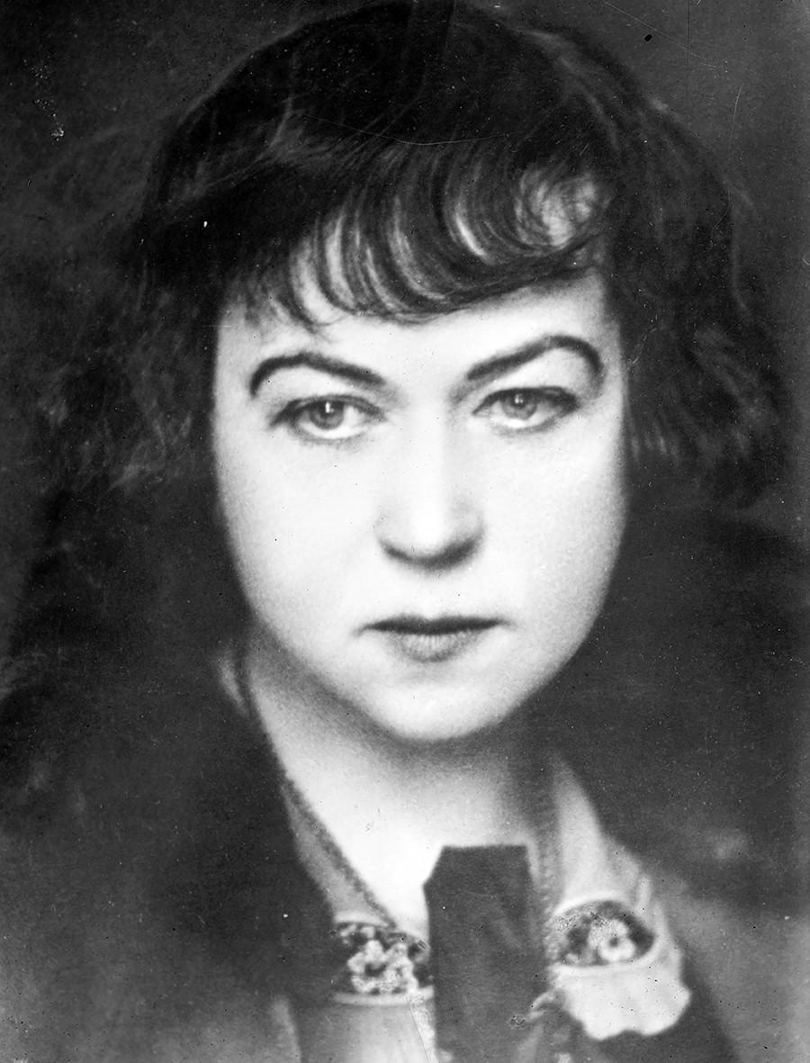 Aleksandra Kollontai, feminis utama dalam Revolusi 1917 (setidaknya di kalangan Bolshevik).