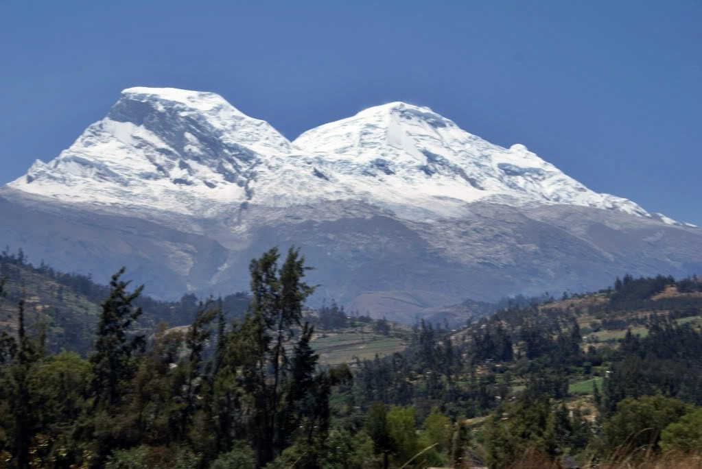 Monte Huascarán visto desde Yungay.