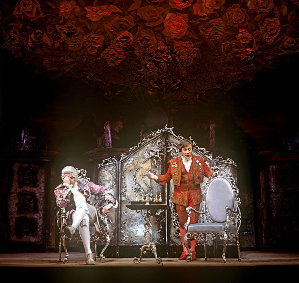 Scène de la pièce « La Folle Journée, ou le Mariage de Figaro», au Théâtre académique de la Satire de Moscou.