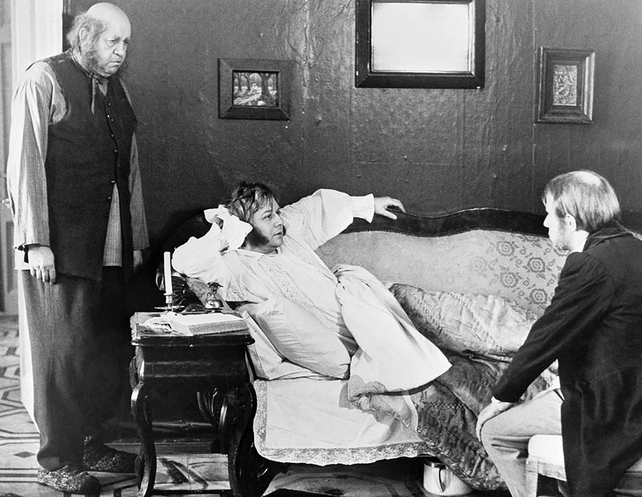 ニキータ・ミハルコフ監督の映画「オブローモフ」。オブローモフを演じたのはオレグ・タバコフ。
