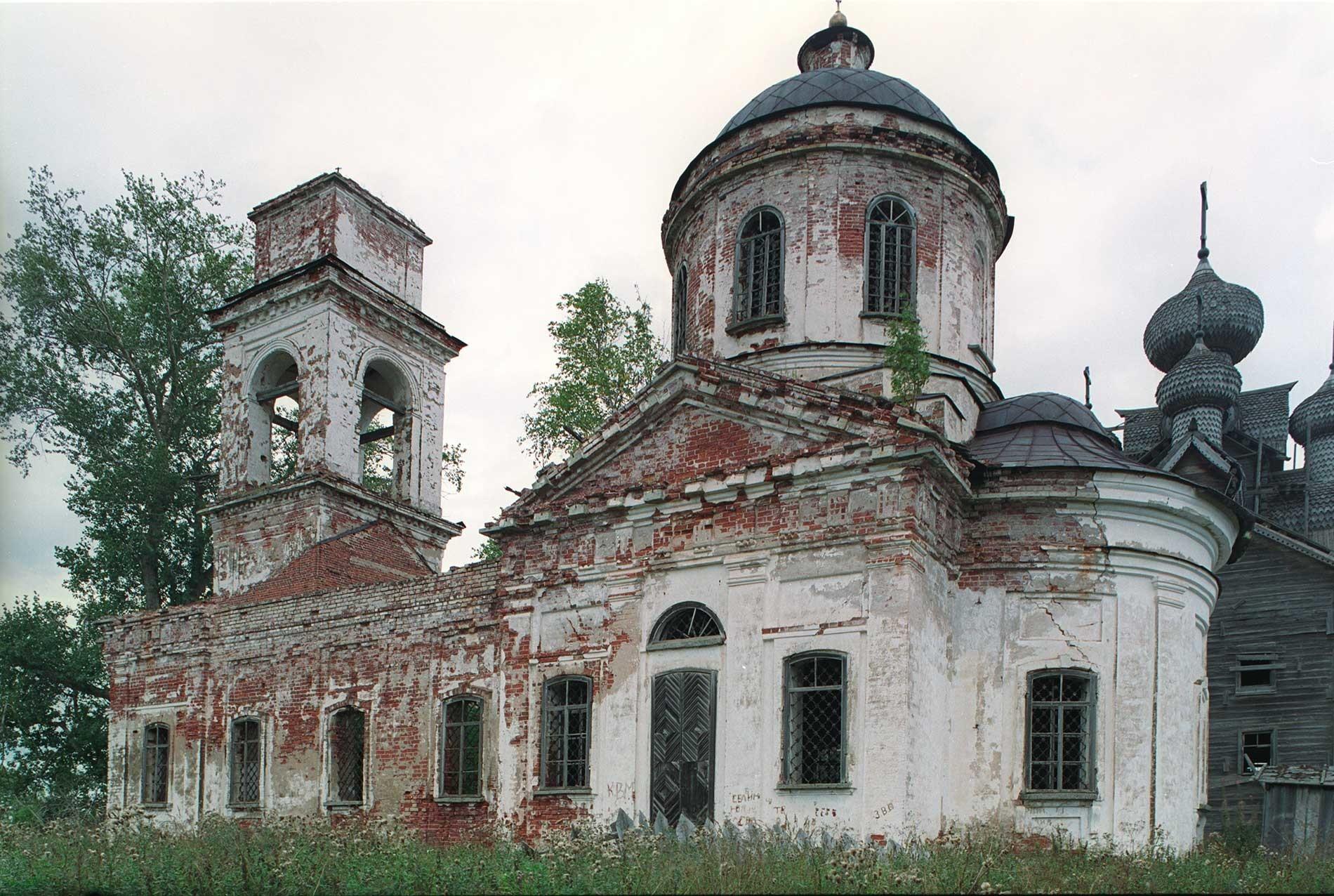 Iglesia de Icono del Signo, vista sur. 28 de agosto de 2006.