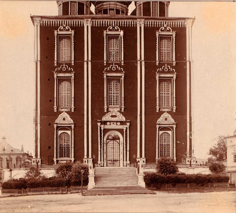 Kremlin de Riazán. Catedral de la Dormición, fachada oeste. Verano de 1912.