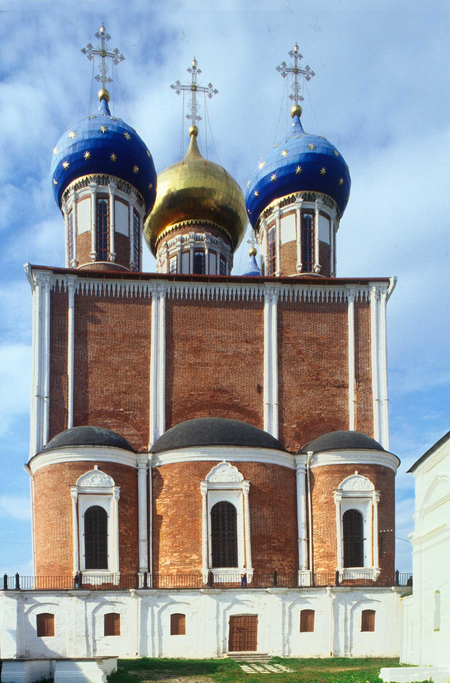Kremlin de Riazán. Catedral Dormition, vista este. 28 de agosto de 2005.