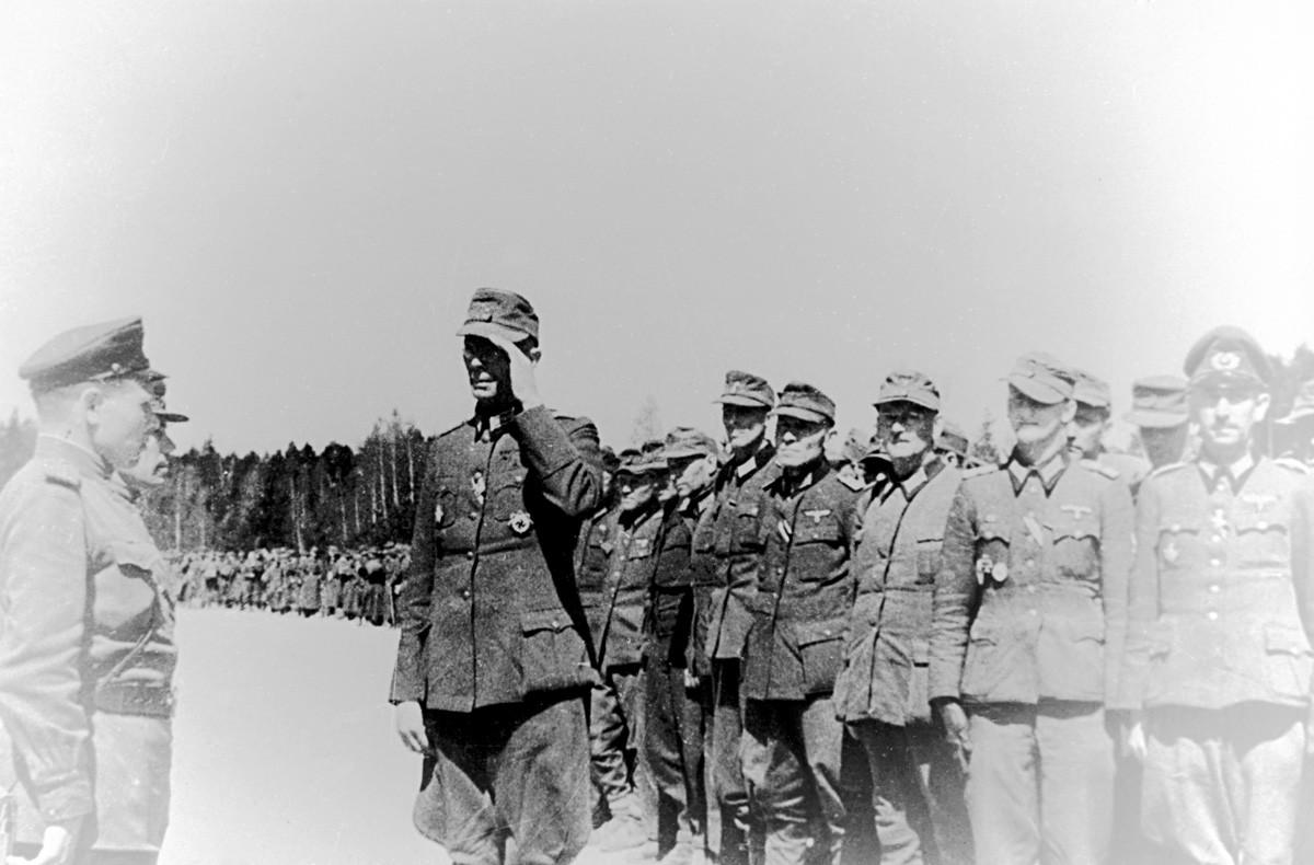 Kapitulation deutscher Truppen 1945 auf der Halbinsel Kurland im heutigen Gebiet Kaliningrad