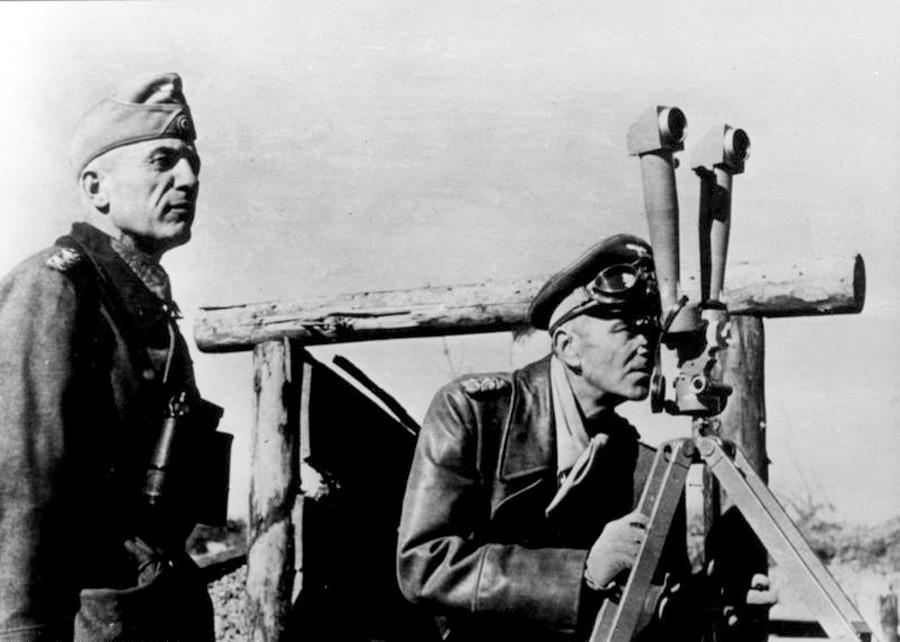 Friedrich Paulus (r.) und Walther von Seydlitz-Kurzbach (l.) im November 1942 im Norden Stalingrads