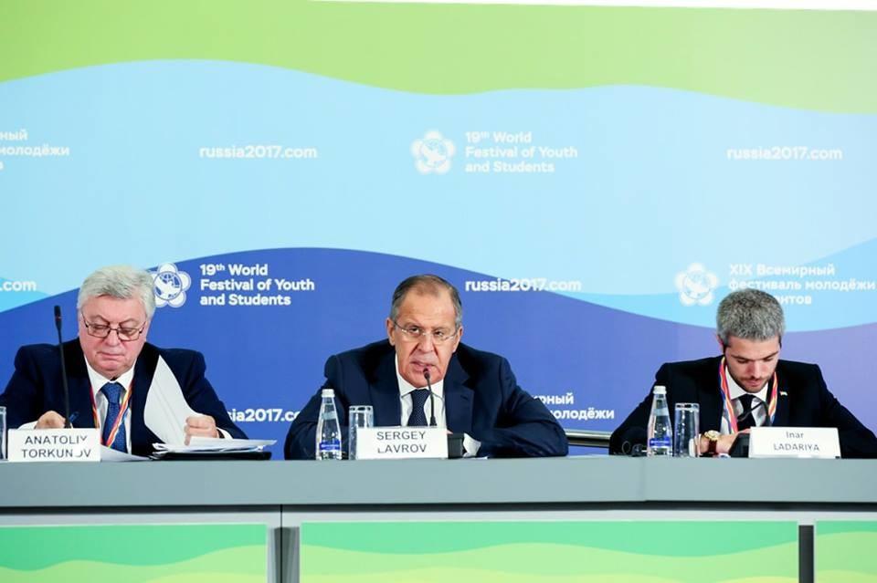 Министар спољних послова Руске Федерације Сергеј Лавров на Фестивалу у Сочију.