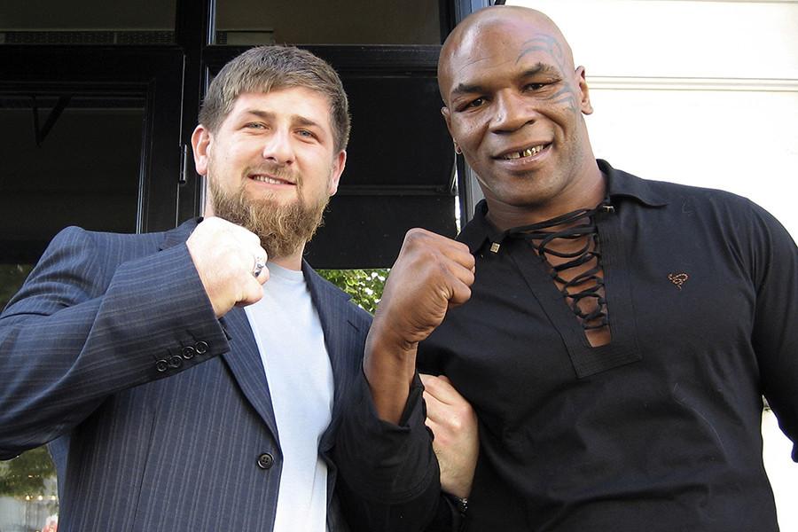 Майк Тайсън и Рамзан Кадиров в Чечения, 2005 година