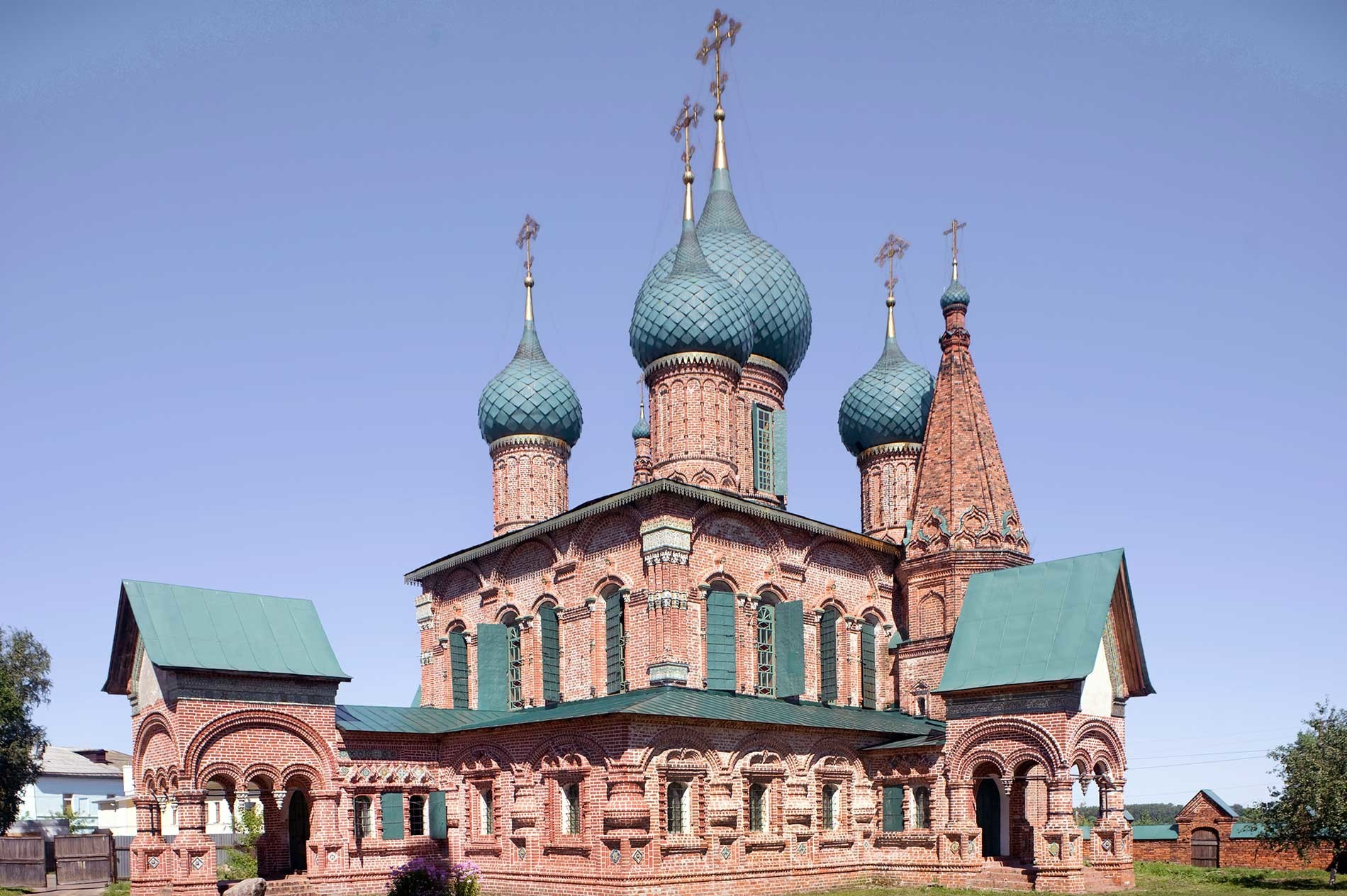 Iglesia de San Juan Crisóstomo. Vista suroeste. 15 de agosto de 2017.