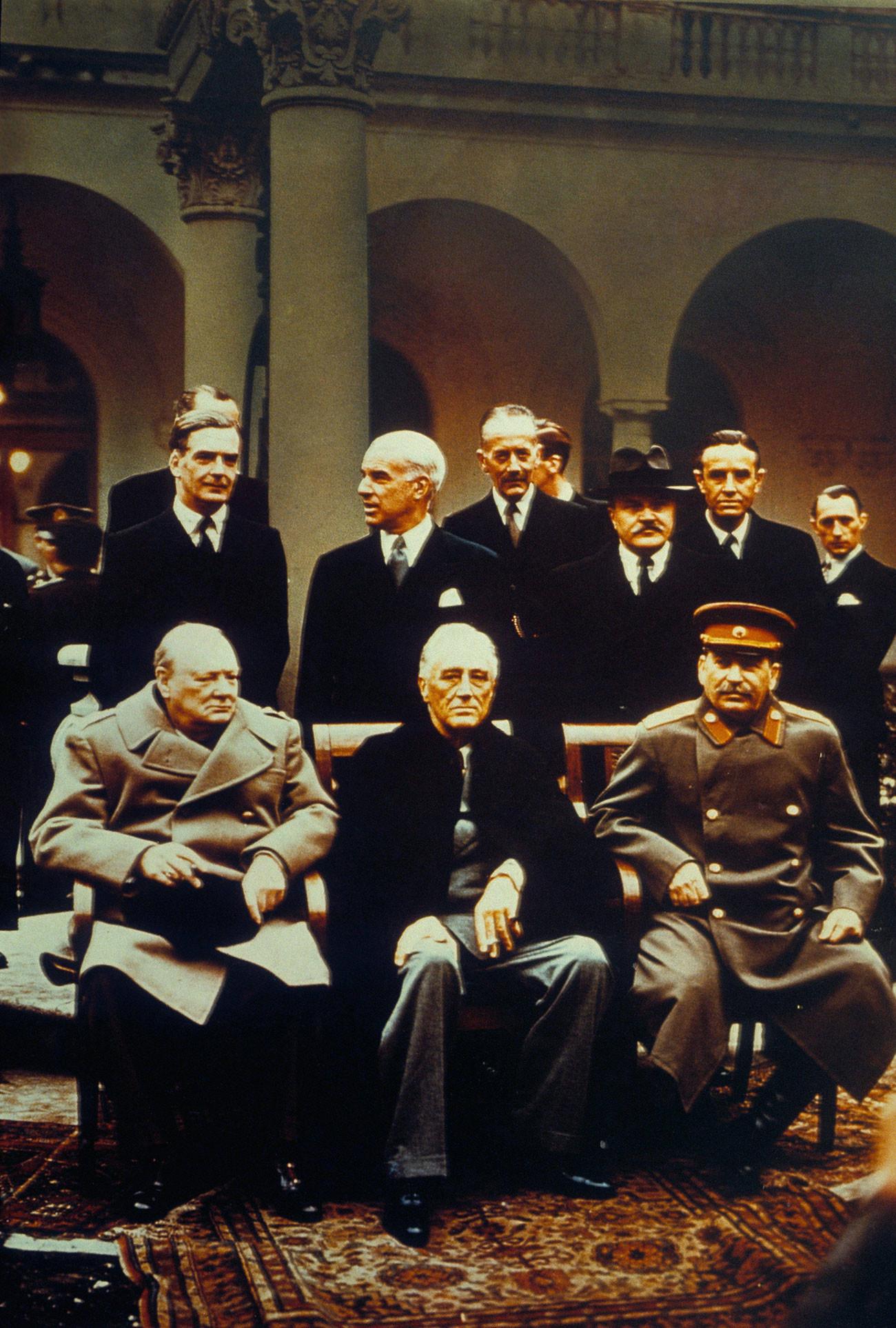 Selama konferensi Yalta, Presiden AS Franklin D. Roosevelt dan delegasinya mendapat 43 kamar di istana ini.