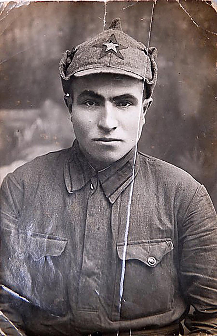 Црвеноармејац Семјон Константинович Гитлер.