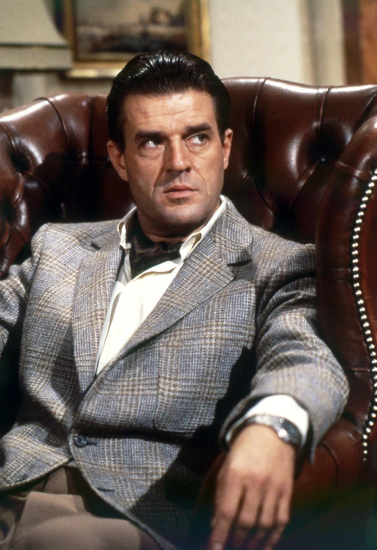 Ator Jeroen Krabbe no set de filmagem de '007 Marcado para a Morte'