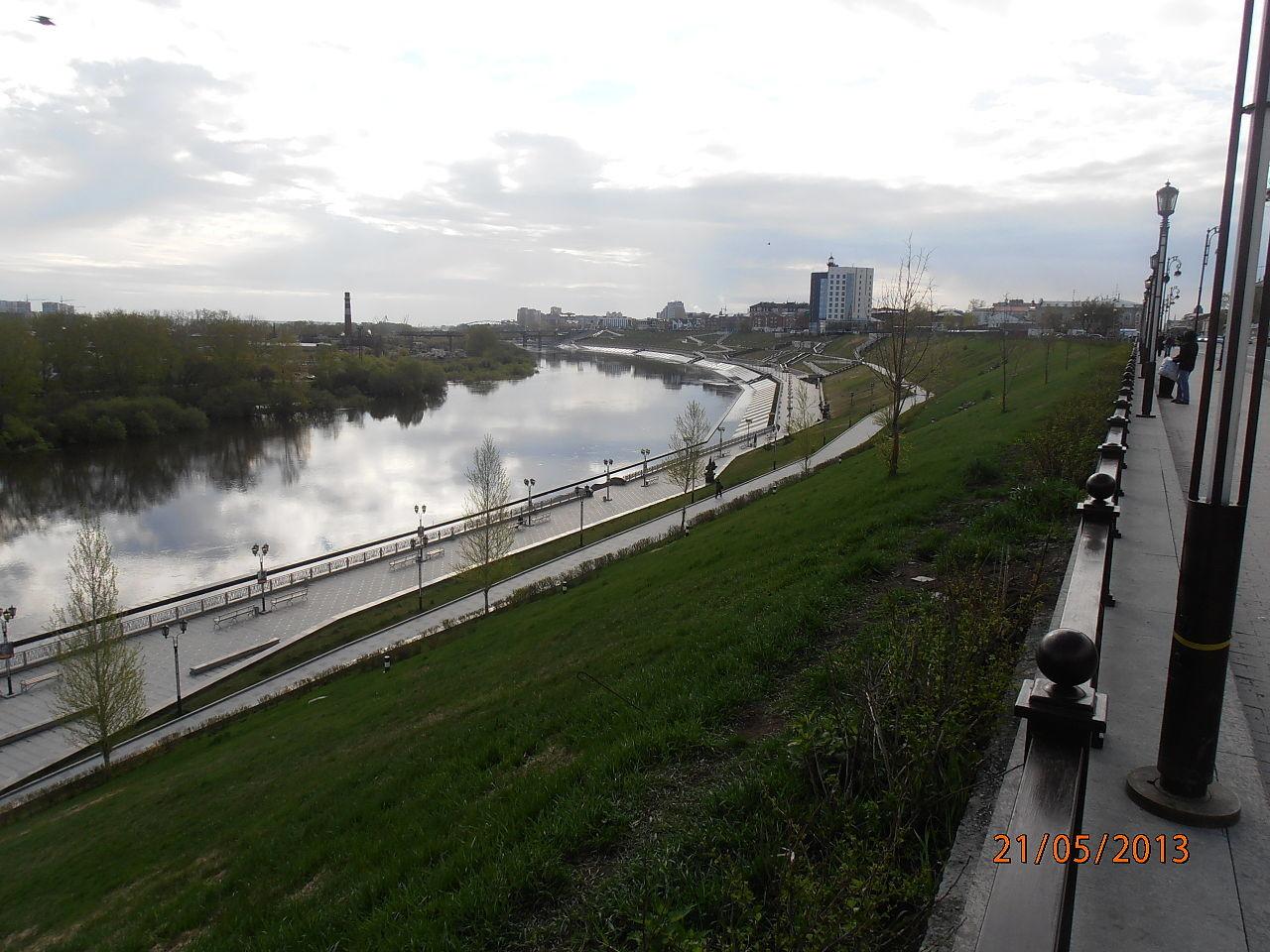 Nabrežje reke Ture v mestu Tjumen
