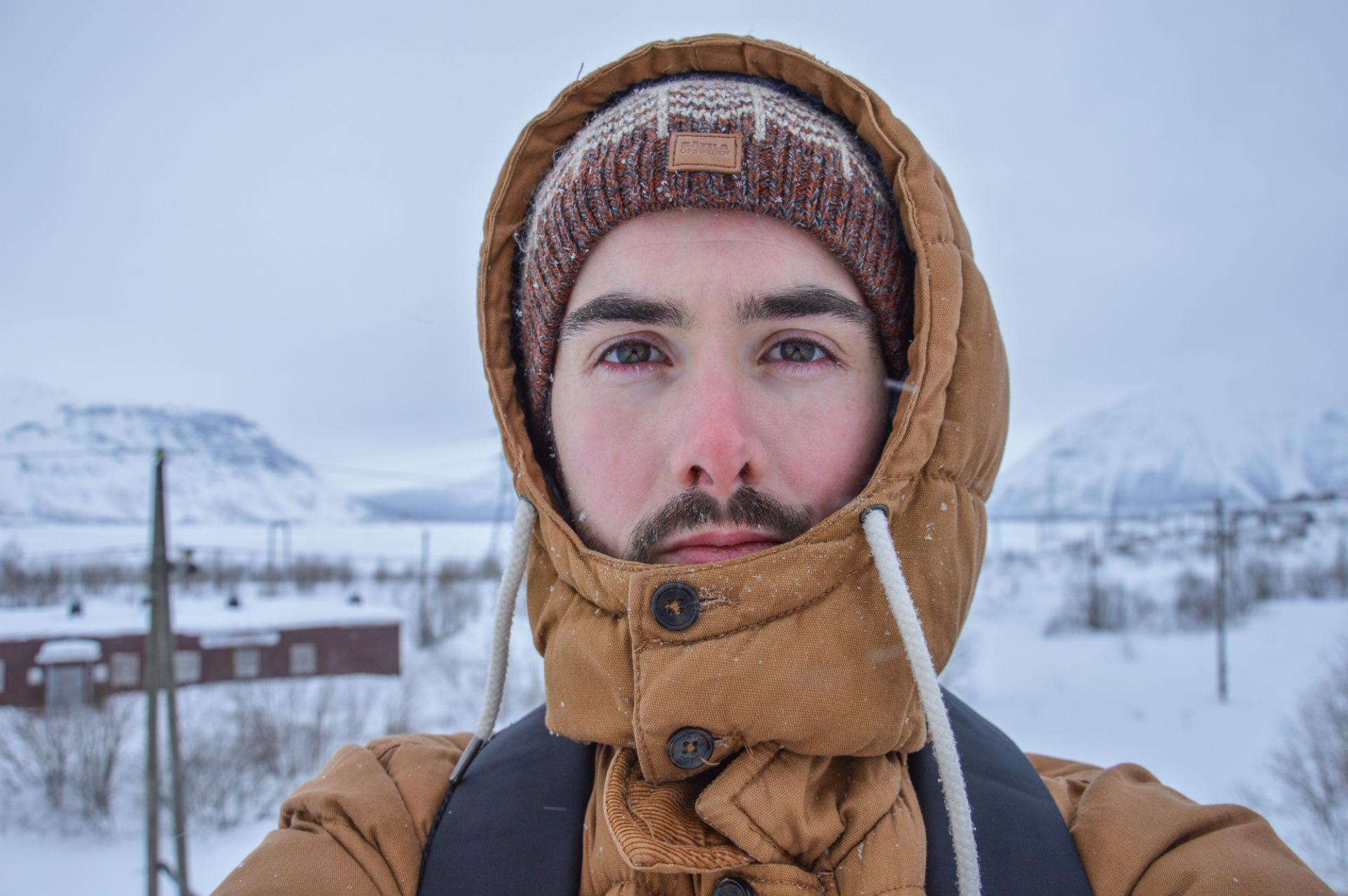 Même si le froid est moins intense que ce à quoi l'on pourrait s'attendre, mieux vaut bien se couvrir.