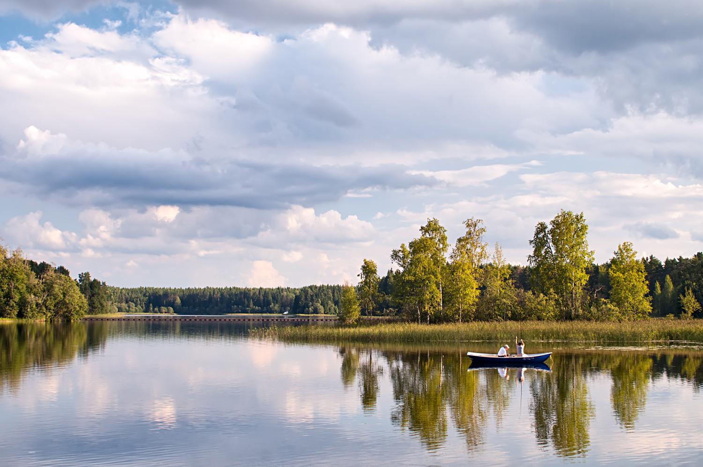 Večernji ribolov na jezeru Užin, Rusija, Valdaj.